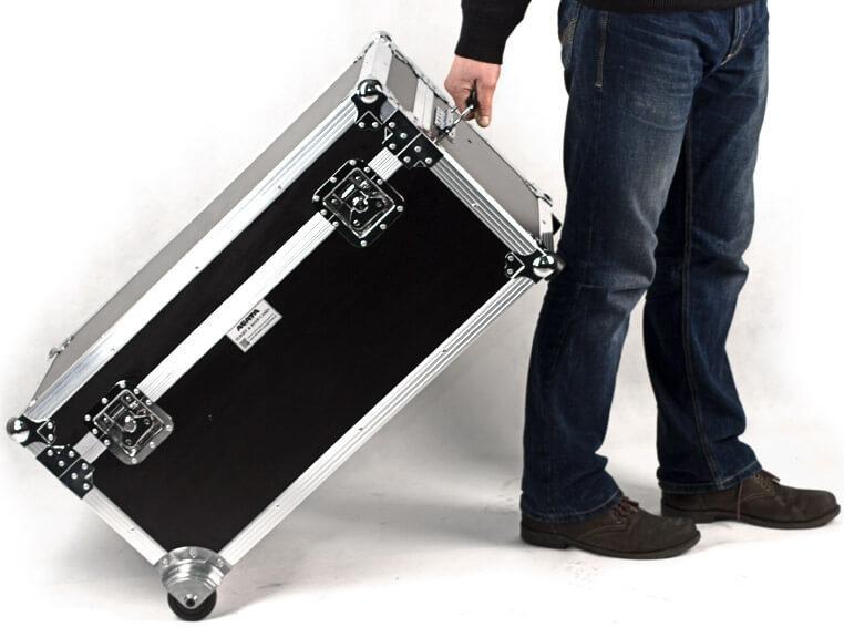 Laadimiskohver kuni 26-le sülearvutile